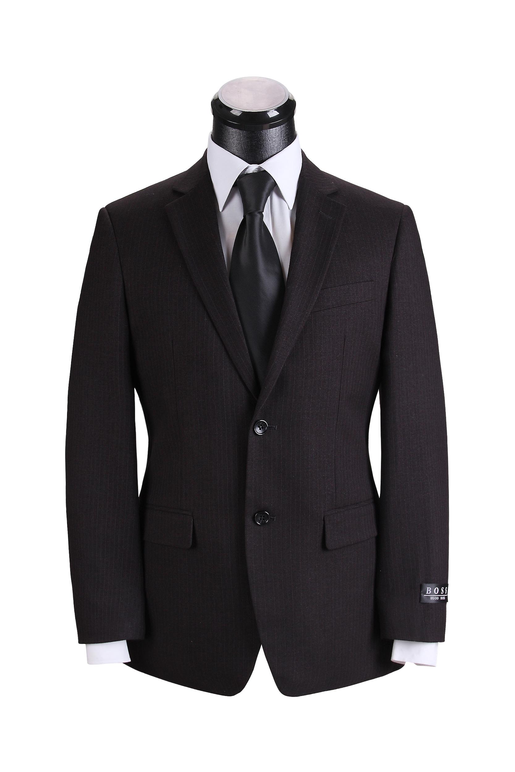 hugo boss的西服充满德式风格,讲究的是材质的上等与做工的精细,一套图片
